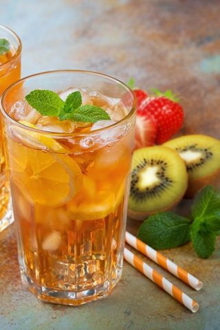 Fizzy Kiwiberry Iced Tea